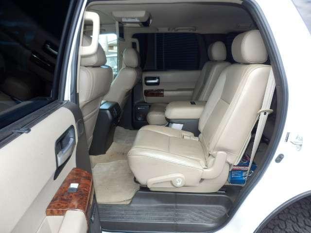 米国トヨタ セコイアプラチナム 5.7 V8 4WD 写真