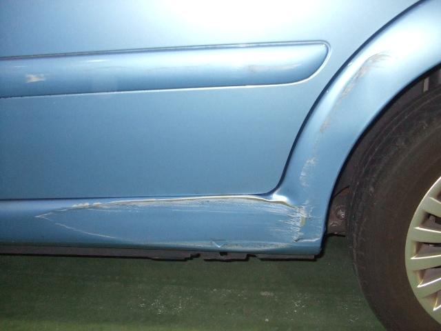 車 凹み 修理