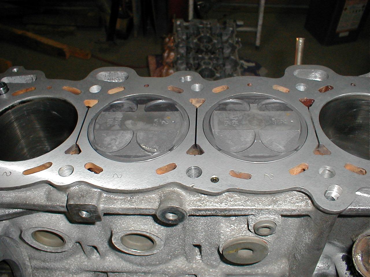 S15ハイコンプ・エンジン。