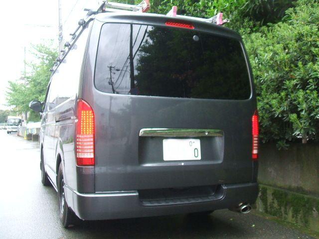 200系ハイエース・マークレス・スムージング・カスタム