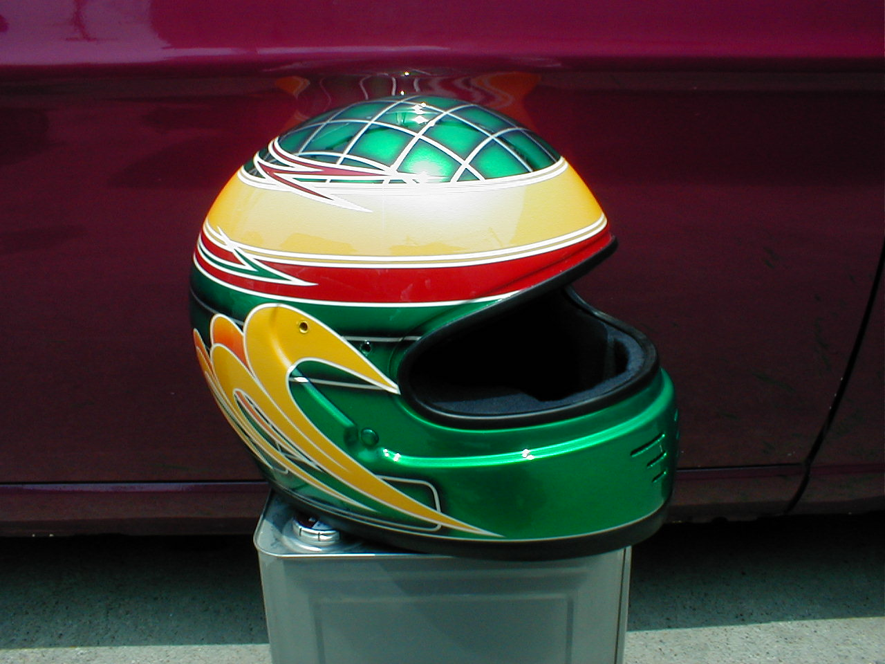 四輪・レース用デザインヘルメット第6弾。『32号車』
