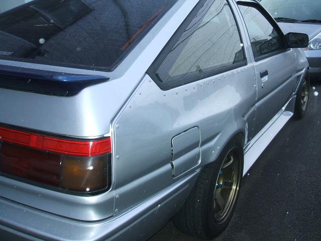 AE86・ハチロク・ワイドブリスターフェンダーレビン