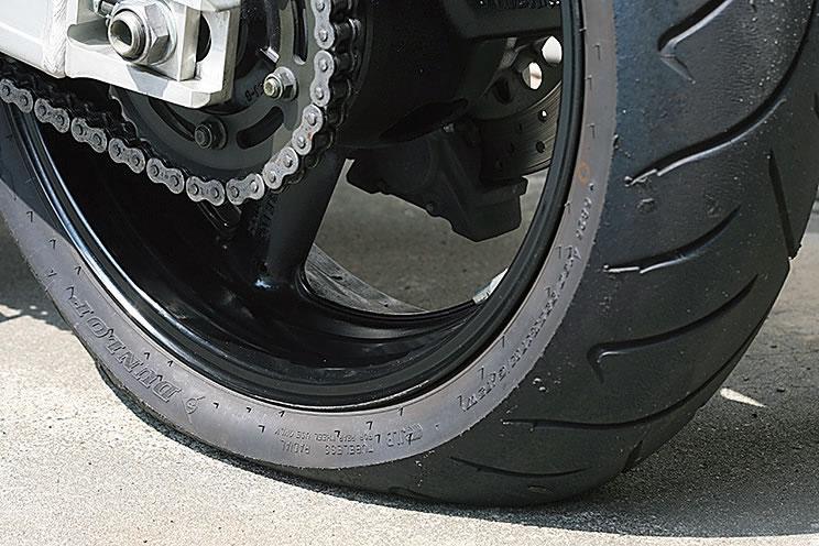 バイク単車二輪原付小型も大型もタイヤ交換パンク修理川西市宝塚市池田市豊中市伊丹市