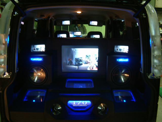 バモス トランク オーディオ&モニター埋め込み製作