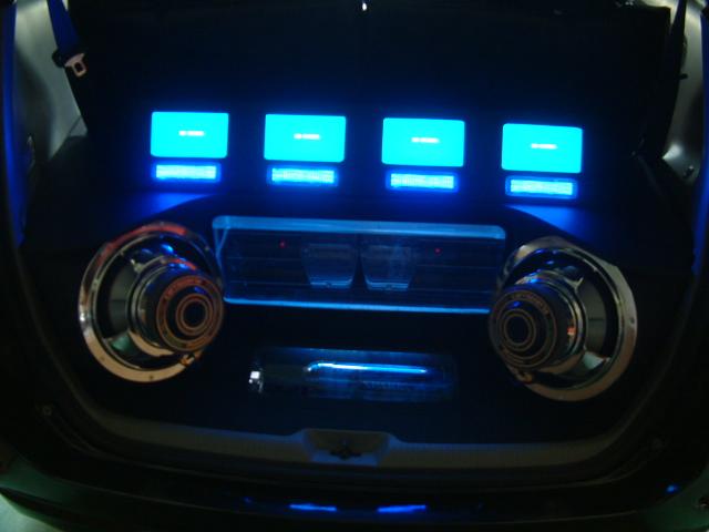 ノア モニター&LEDランナー取付