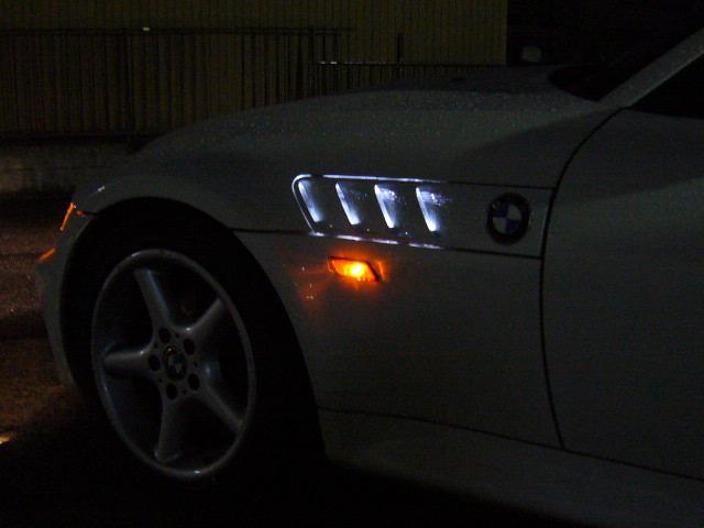 BMW Z3 フェンダーダクトLED加工