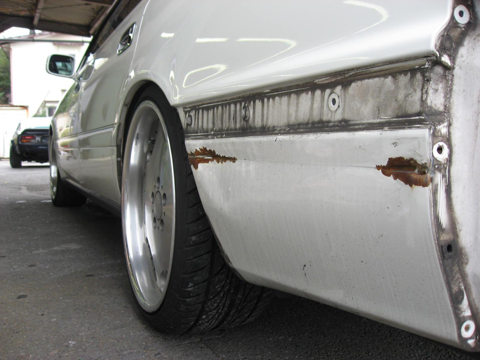 クラウン(JZS151) リヤクォーター板金修理