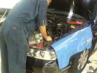 サバーバン ラジエーター修理 キャデラック水漏れ修理 BMW530i (E39) ラジエーター交換