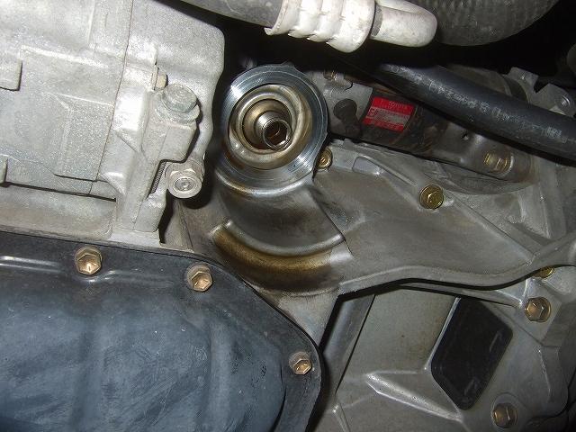 エンジンのオイルエレメント交換