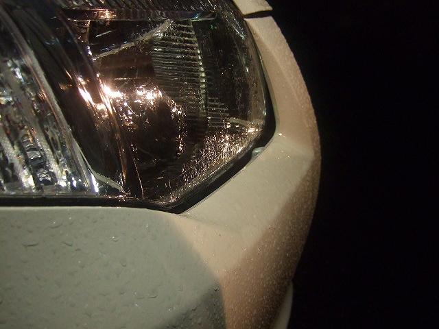 ヘッドライトとバンパーの隙間