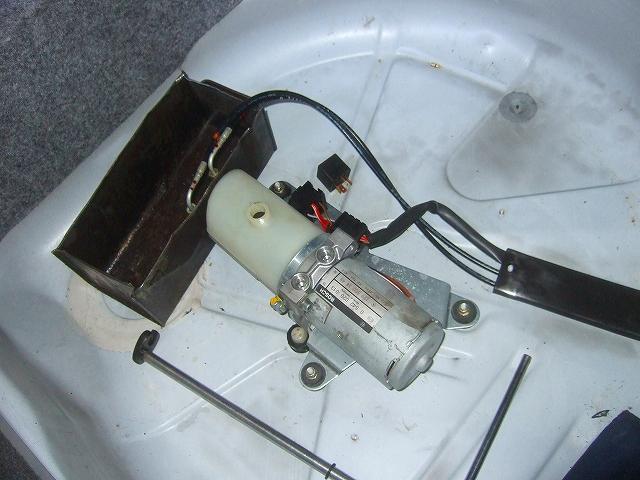 ポンプの圧力を点検します。