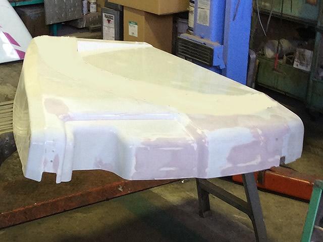 パッカー車リアサイドカバー塗装