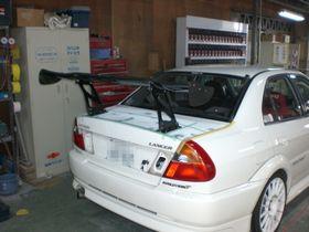 ランエボの穴埋めとGTウイング取付埼玉県自動車板金塗装修理/北本市