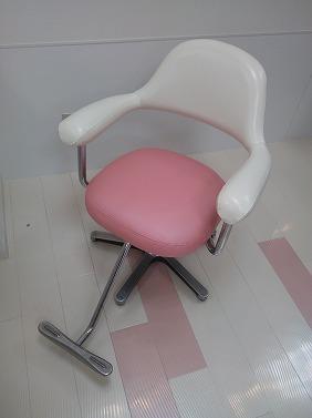 ヘアーサロンの椅子張り替え
