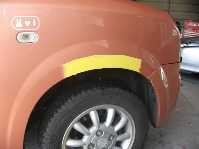 スズキ ラパン 右フロントフェンダー板金塗装修理