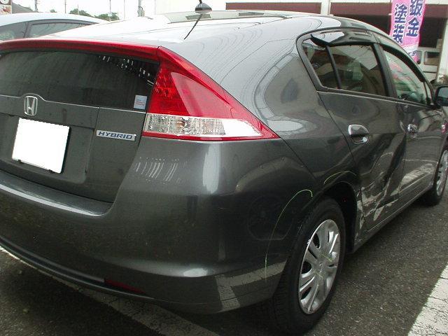 ホンダ インサイト ハイブリッド車の板金塗装修理は特別資格保持の当社へ