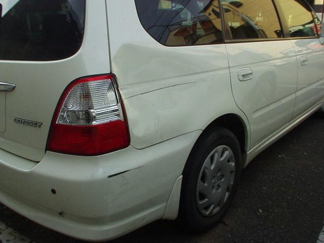 HONDAオデッセイRA6右リヤフェンダー交換板金塗装修理事故