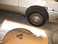 中古パーツによる自動車の修理