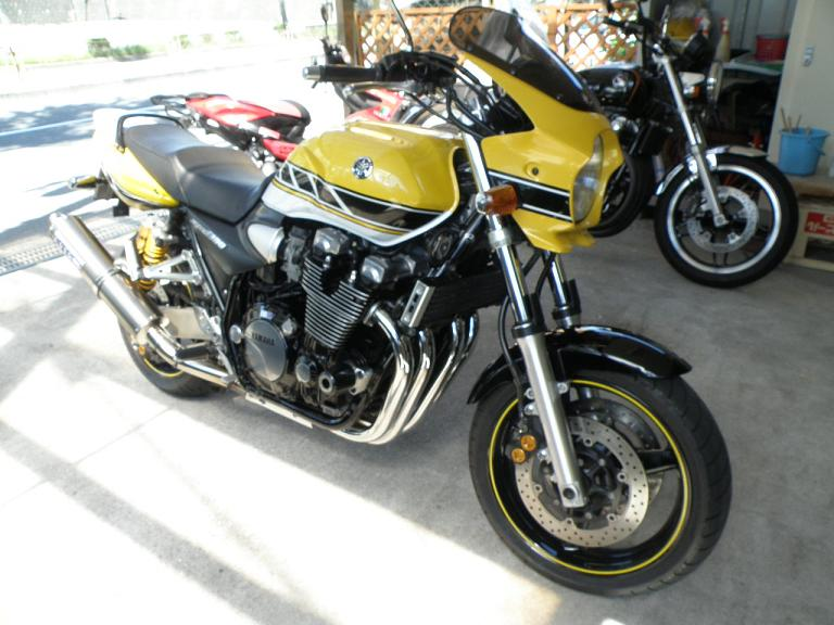 バイク ガラスコーティング ヤマハ XJR1300