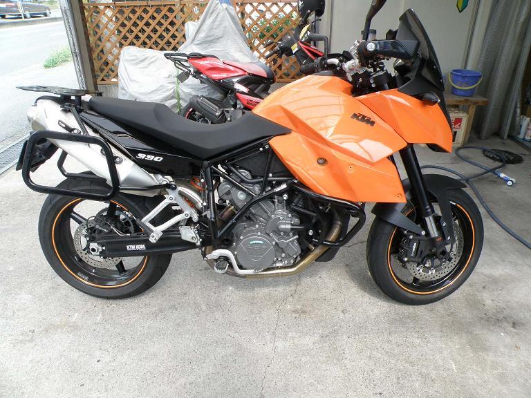 バイク ガラスコーティング KTM990