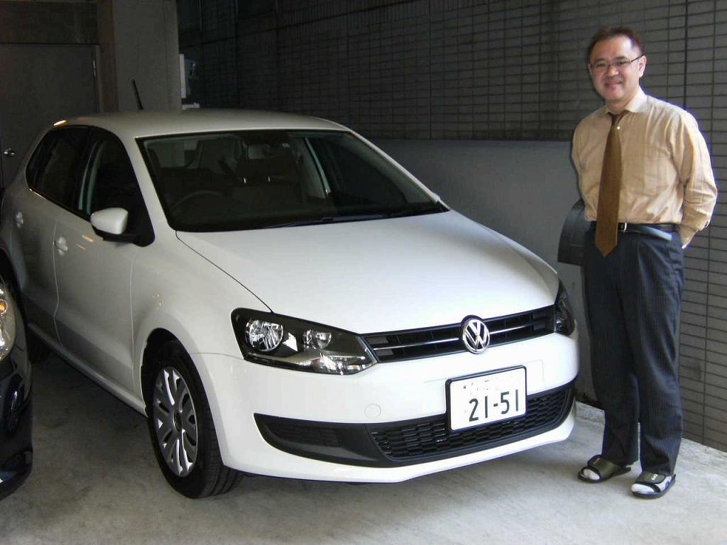 文京区のFさんに新型ポロを納車致しました。今日の丸大にアップしています。ありがとうございました!