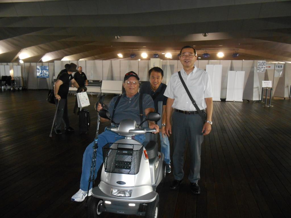 ラスベガスから日本にいらしたチャールズ様は<br /> 横浜港からダイアモンド・プリンセス号に乗船<br /> <br /> 船内でも電動カートを御利用になり <br /> 快適なクルーズだったと 喜んでいらっしゃいました<br /> <br /> <br /> <br /> <br />