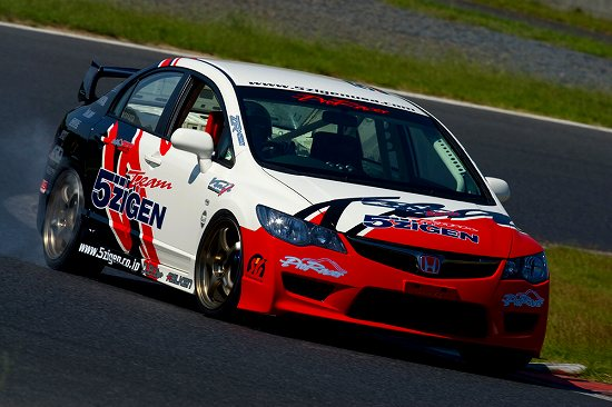 写真:レース車