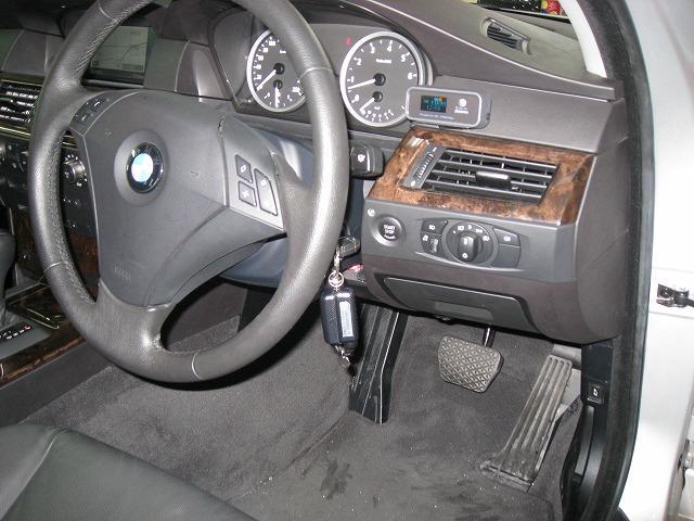 BMW セキュリティ&バックカメラ取付