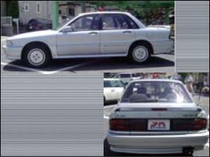 三菱ギャラン2000DOHC-TURBO VR-4<br /> 運転者:倉本省<br /> 車種記号:E-E39ASNPF<br /> 全長:4560/全幅:1695/全高:1440/車両重量:1340kg<br /> エンジン:DOHC16バルブ インタークーラーターボ2000cc<br /> 駆動系:フルタイム4WD ビスカスカップリング制御センタデフ方式<br /> ステアリング:4WSシステム<br /> サスペンション:4ISシステム<br /> ブレーキ:4ABS 4輪アンチロックブレーキシステム<br /> 初期設定では通信管制システム、早期警戒システム、識別システム、武器管制システムを搭載。コンピュータ、特殊無線機、自動車電話、反転式警光灯、デイタッチャブルグローブBOXを装備。