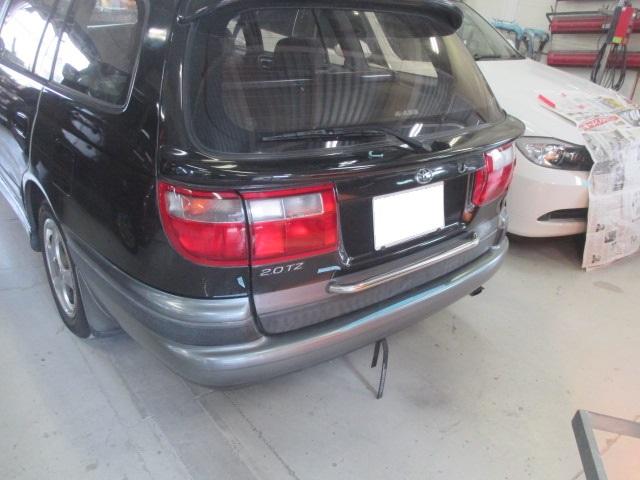 トヨタ カルディナ 板金塗装修理事例