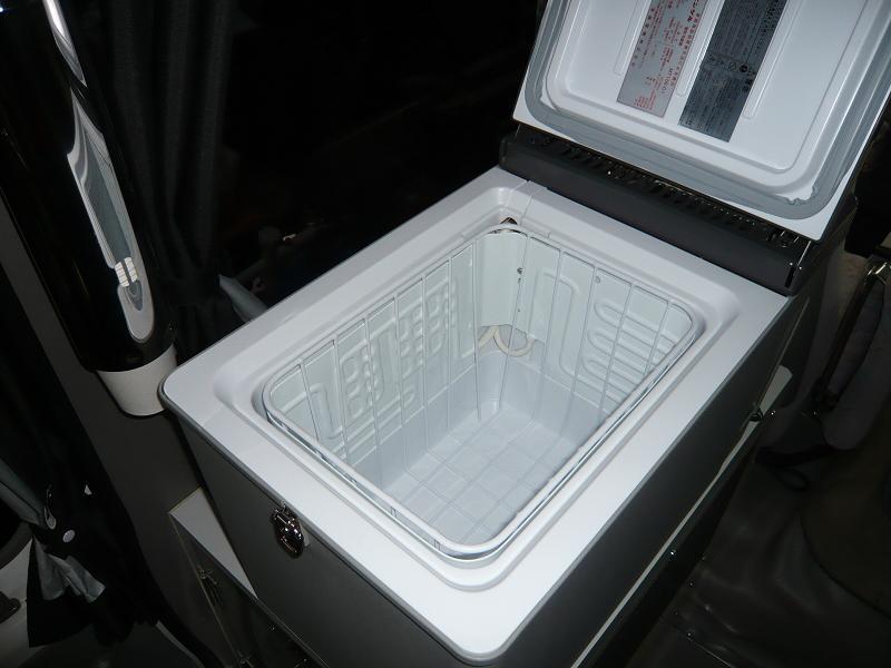 冷蔵庫は、冷蔵・冷凍まで使える、エンゲル冷蔵庫!