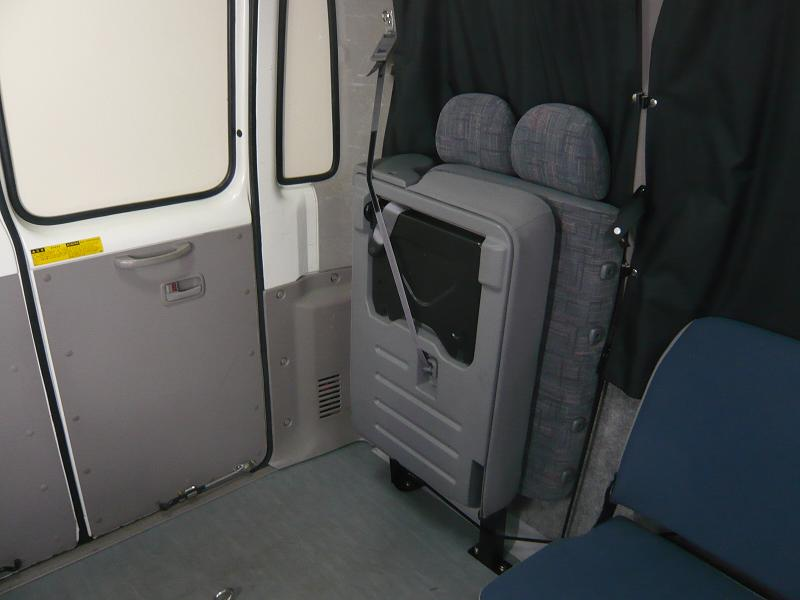 座席をたたむとコンパクトに収納できます。