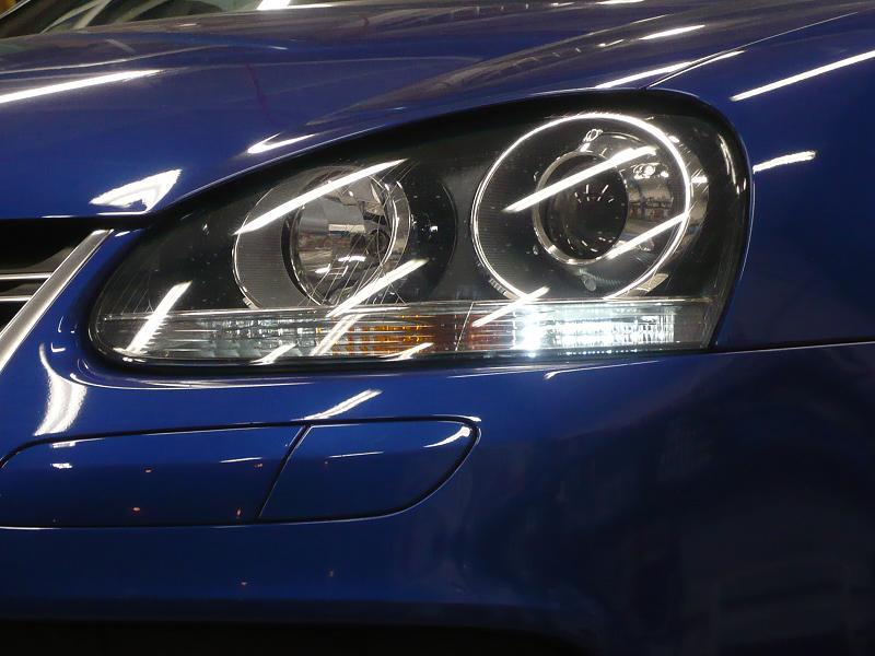 車幅灯もLEDに変えました! <br /> 商品代  LED+玉切れ警告キャンセラー ¥12,600−<br /> 取付工賃 バンパー・ヘトライト脱着を含む ¥26,250-<br /> フロント車幅灯 商品代+工賃合計 ¥38,850-