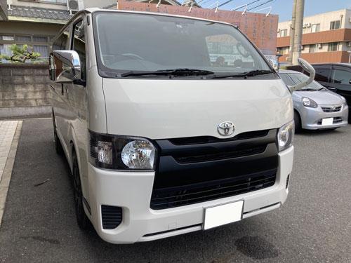 トヨタ、ハイエースにパナソニック、CN-RE07WDとオプションパーツを販売取付しました。